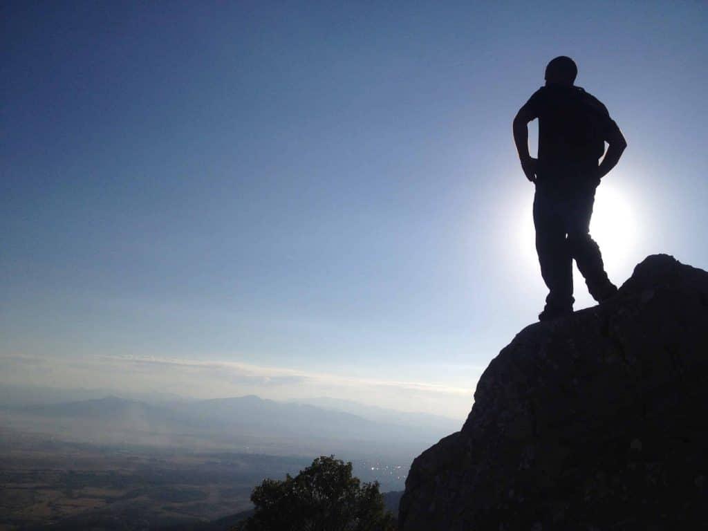 yksek kayalklardan izlemek